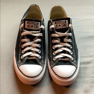 CONVERSE: CLASSIC CHUCK TAYLOR LOW TOP